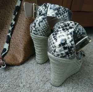 Steve Madden Shoes Python Textured Wedged Platform Sand